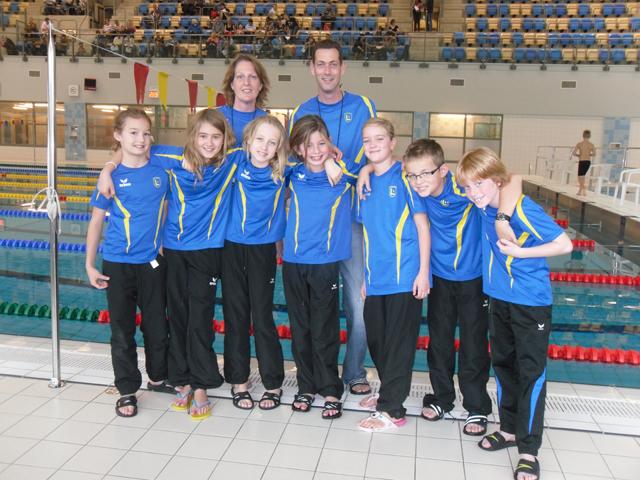 Medaille koorts bij de lansingh minioren krimpense zwemvereniging de lansingh - Zwembad entourage ...